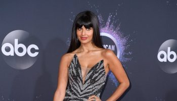 jameela-jamil-in-pamella-roland-2019-american-music-awards