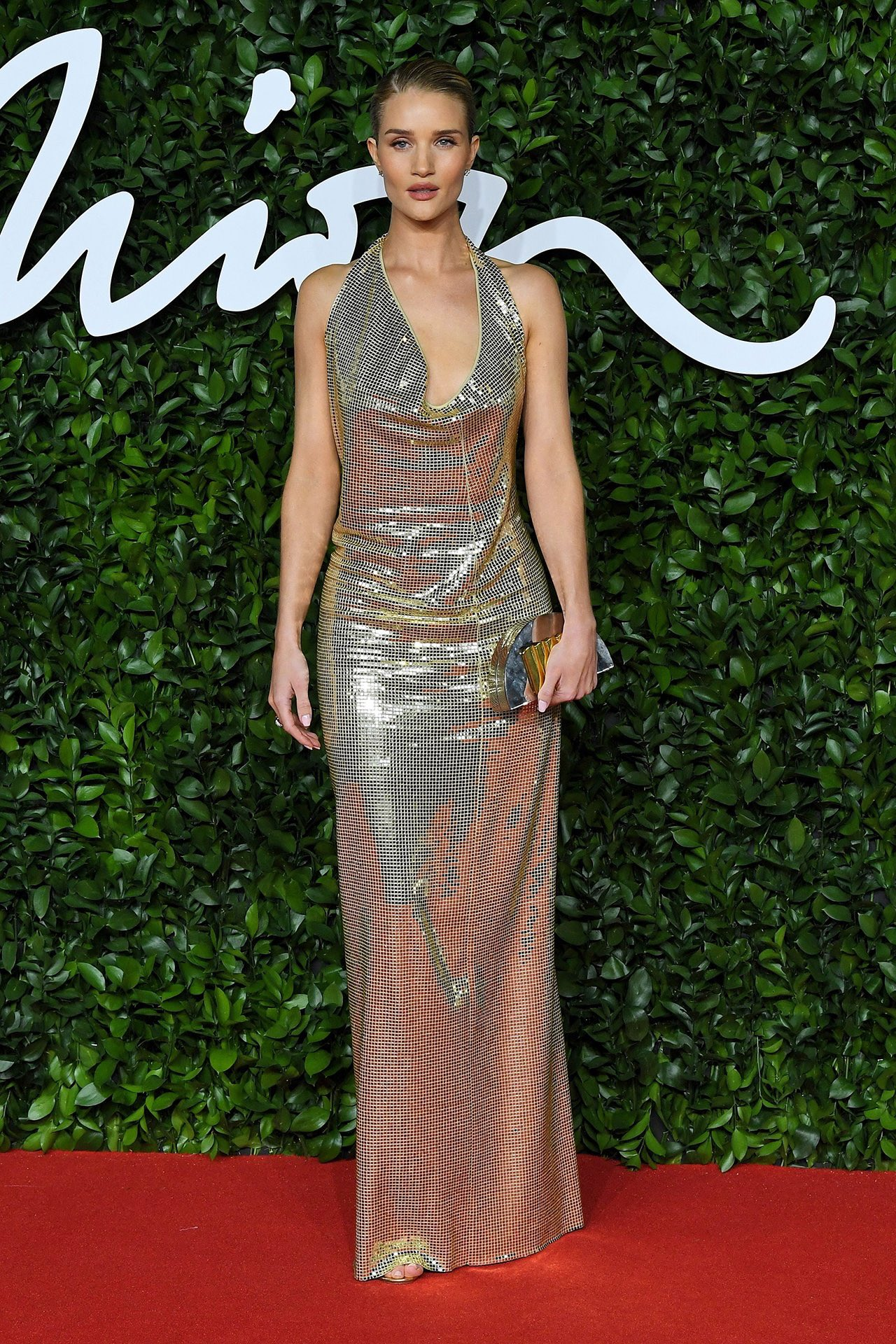 rosie-huntington-whiteley-in-bottega-veneta-2019-british-fashion-council-awards