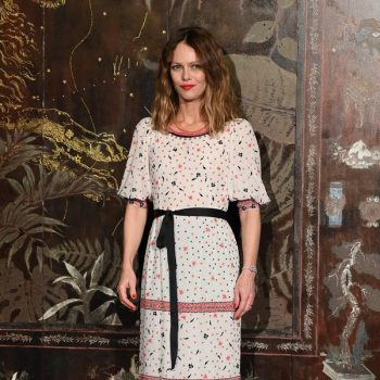 vanessa-paradis-in-chanel-chanel-2019-20-metiers-dart-show-in-paris