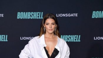 ashley-greene-in-ermanno-scervino-bombshell-la-premiere