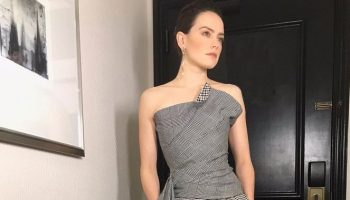 daisy-ridley-in-oscar-de-la-renta-star-wars-the-rise-of-skywalker-global-press-conference-in-california