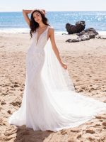 The Best Gowns for Beach Weddings