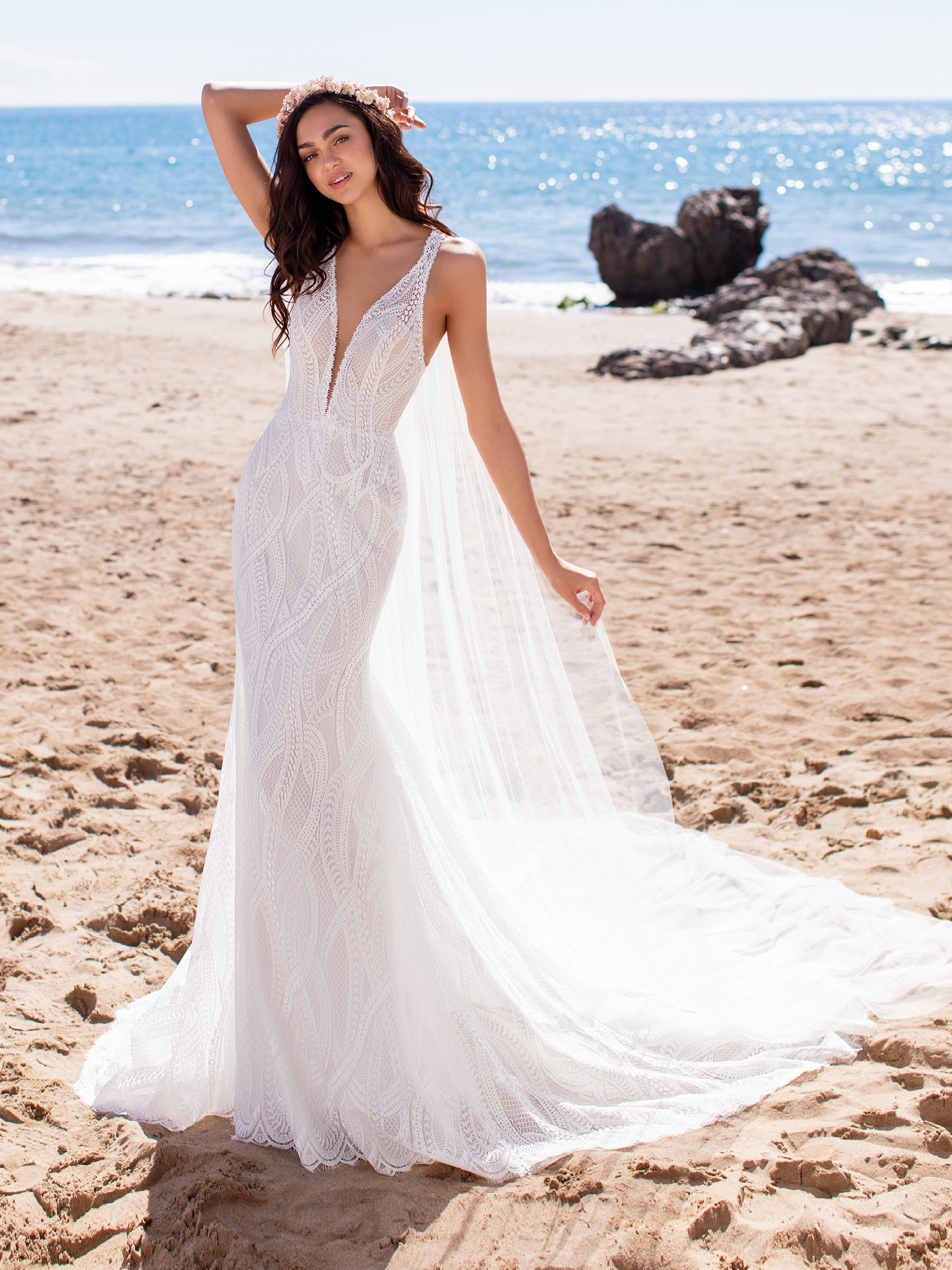 the-best-gowns-for-beach-weddings