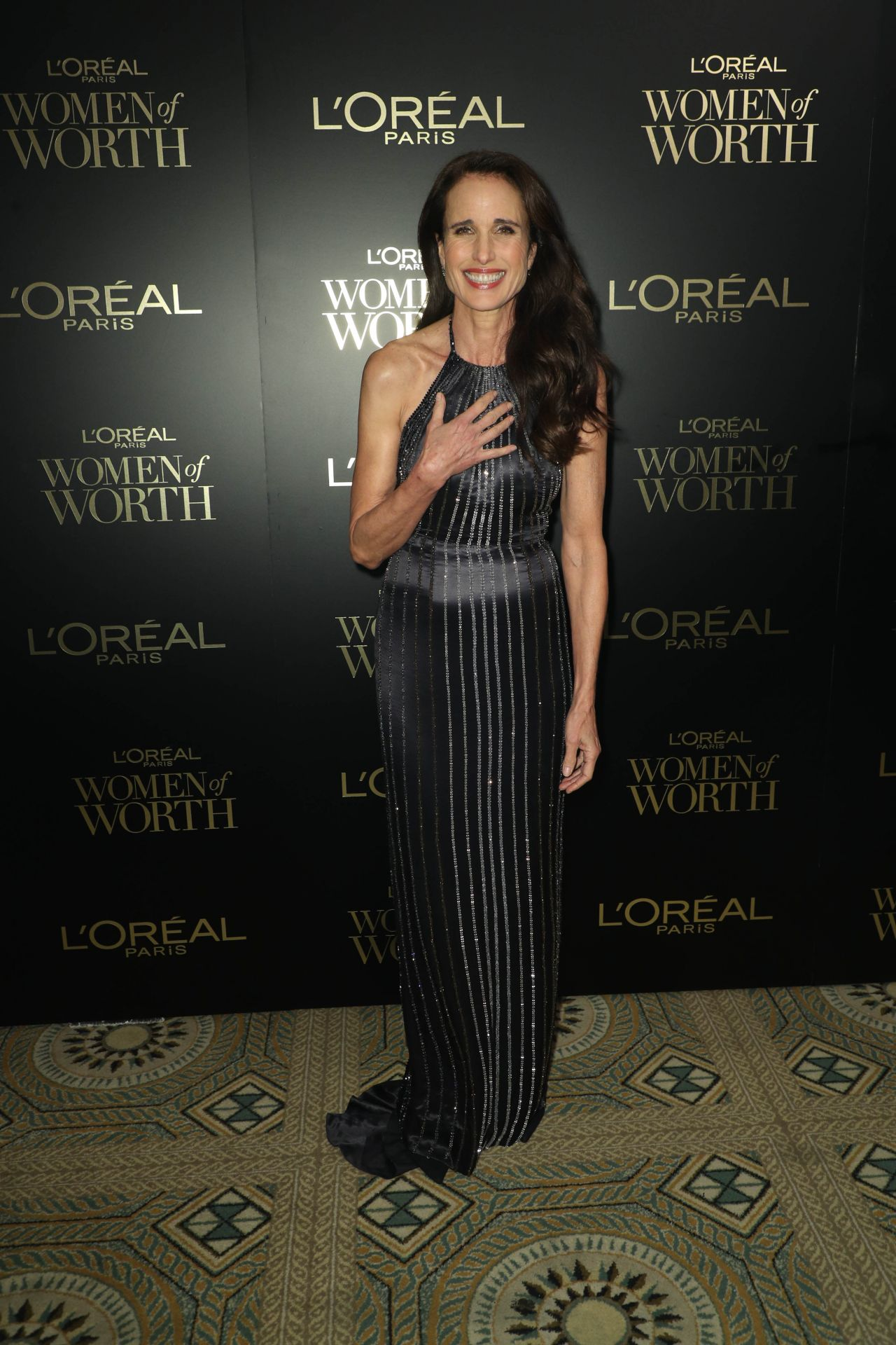 andie-macdowell-in-azzaro-2019-loreal-paris-women-of-worth-awards
