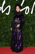 Sandra Oh In  Erdem  @ 2019 British Fashion Council Awards