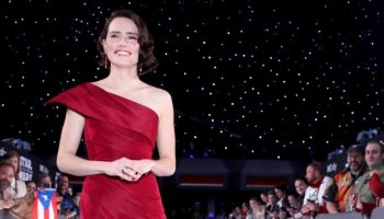 daisy-ridley-in-oscar-de-la-renta-star-wars-the-rise-of-skywalker-la-premiere