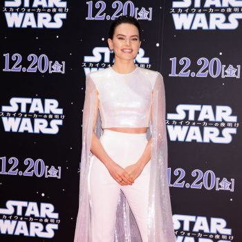 daisy-ridley-in-david-koma-star-wars-the-rise-of-skywalker-special-fan-event