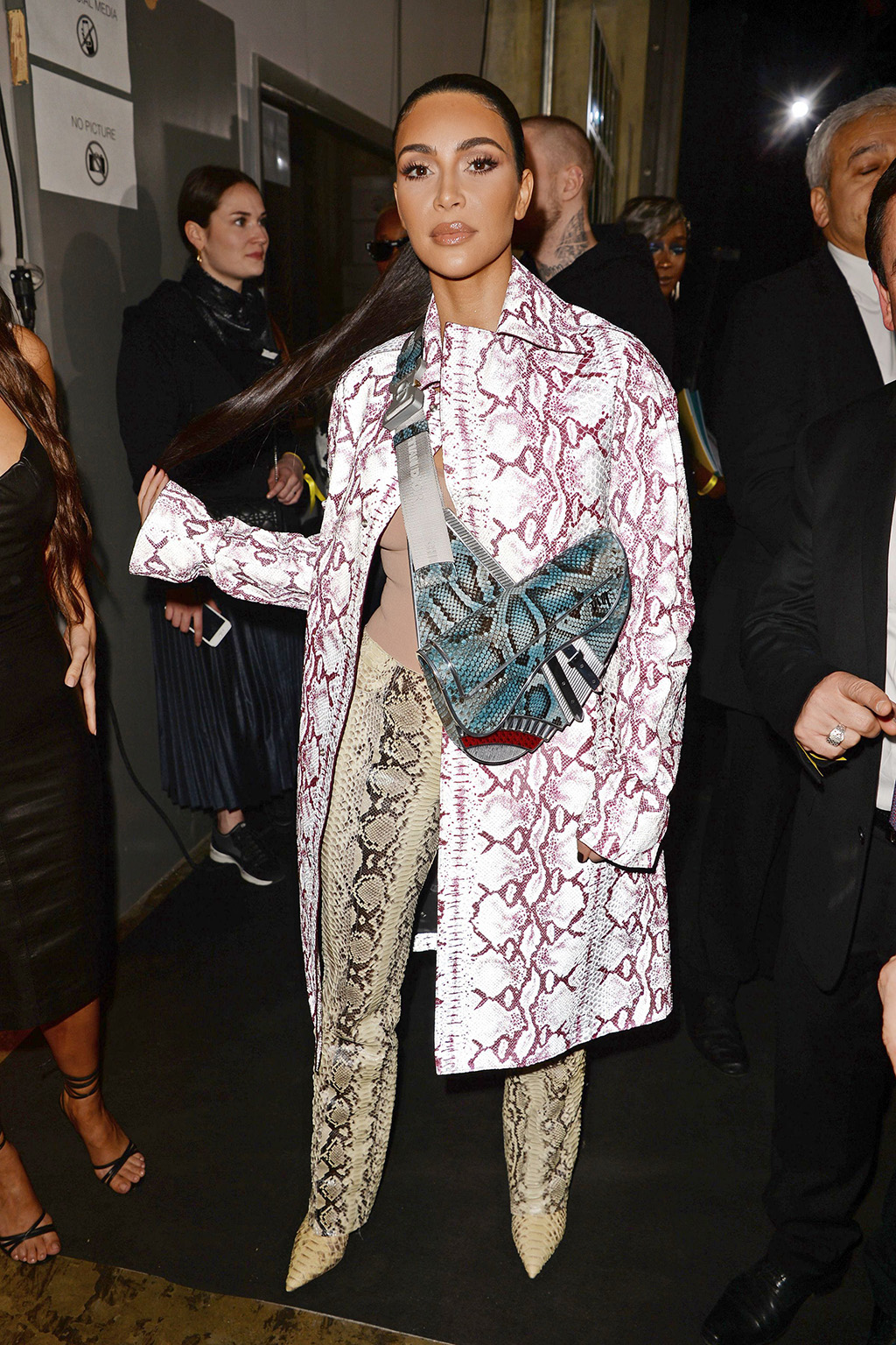 kim-kardashian-in-snakeskin-outfit-front-row-dior-mens-fall-2020-runway-show