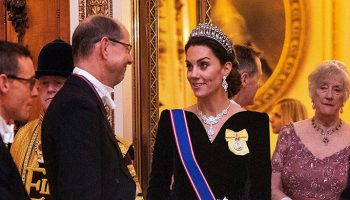 catherine-duchess-of-cambridge-in-alexander-mcqueen-the-diplomatic-reception