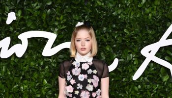 ellie-bamber-in-chanel-2019-british-fashion-council-awards