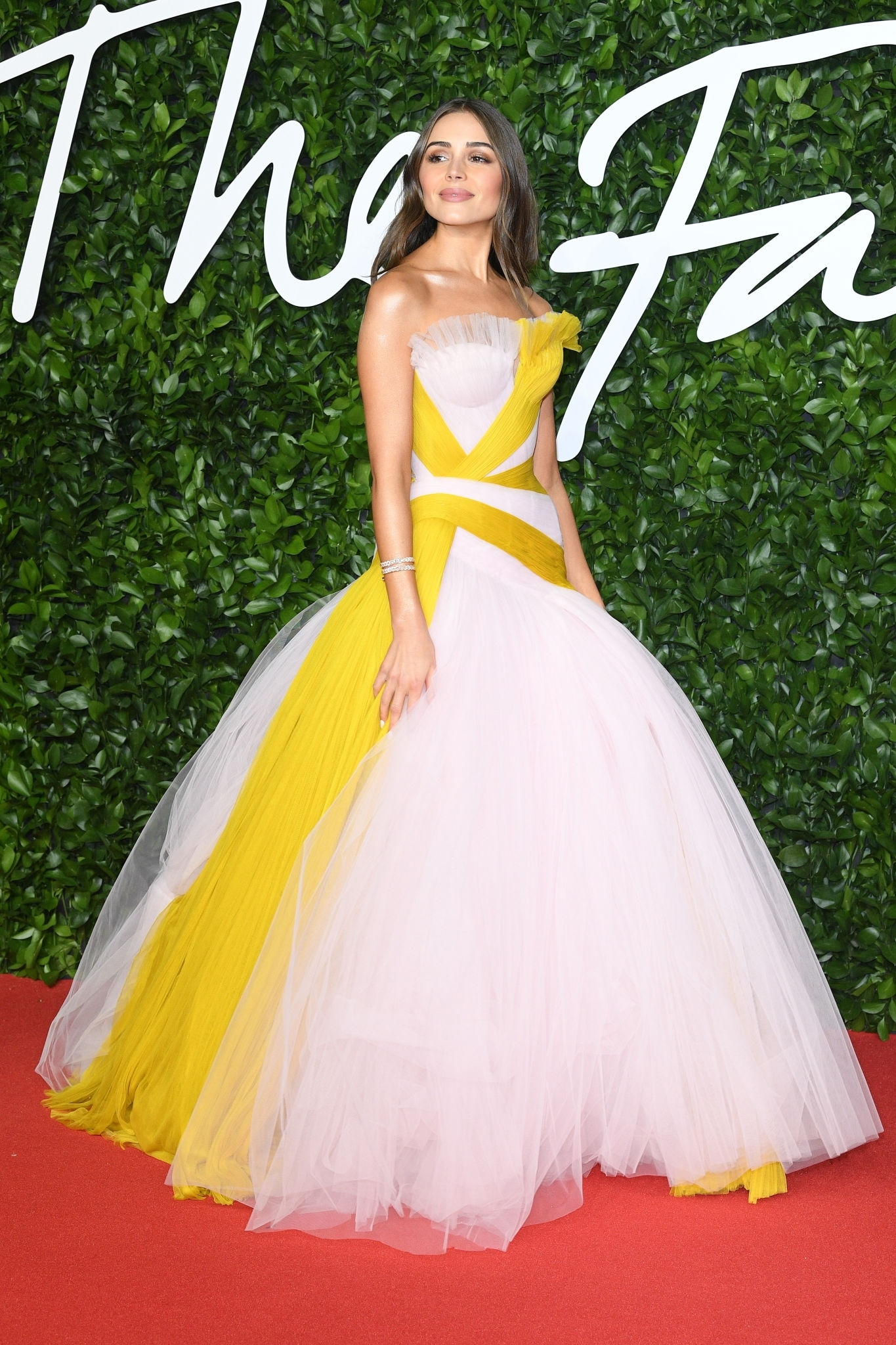 olivia-culpo-in-ralph-russo-couture-2019-british-fashion-council-awards
