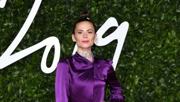 hayley-atwell-in-kate-spade-new-york-2019-british-fashion-council-awards