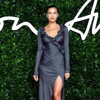 irina-shayk-in-burberry-2019-british-fashion-council-awards