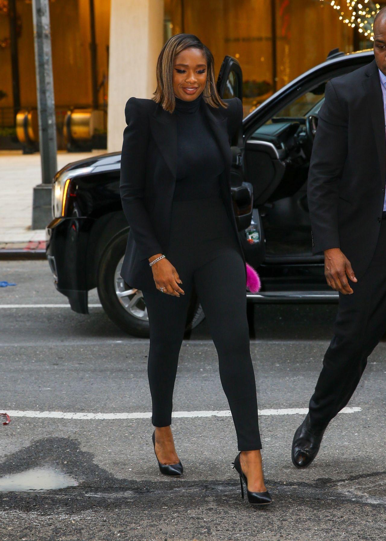 jennifer-hudson-wears-all-black-promoting-cats-in-new-york