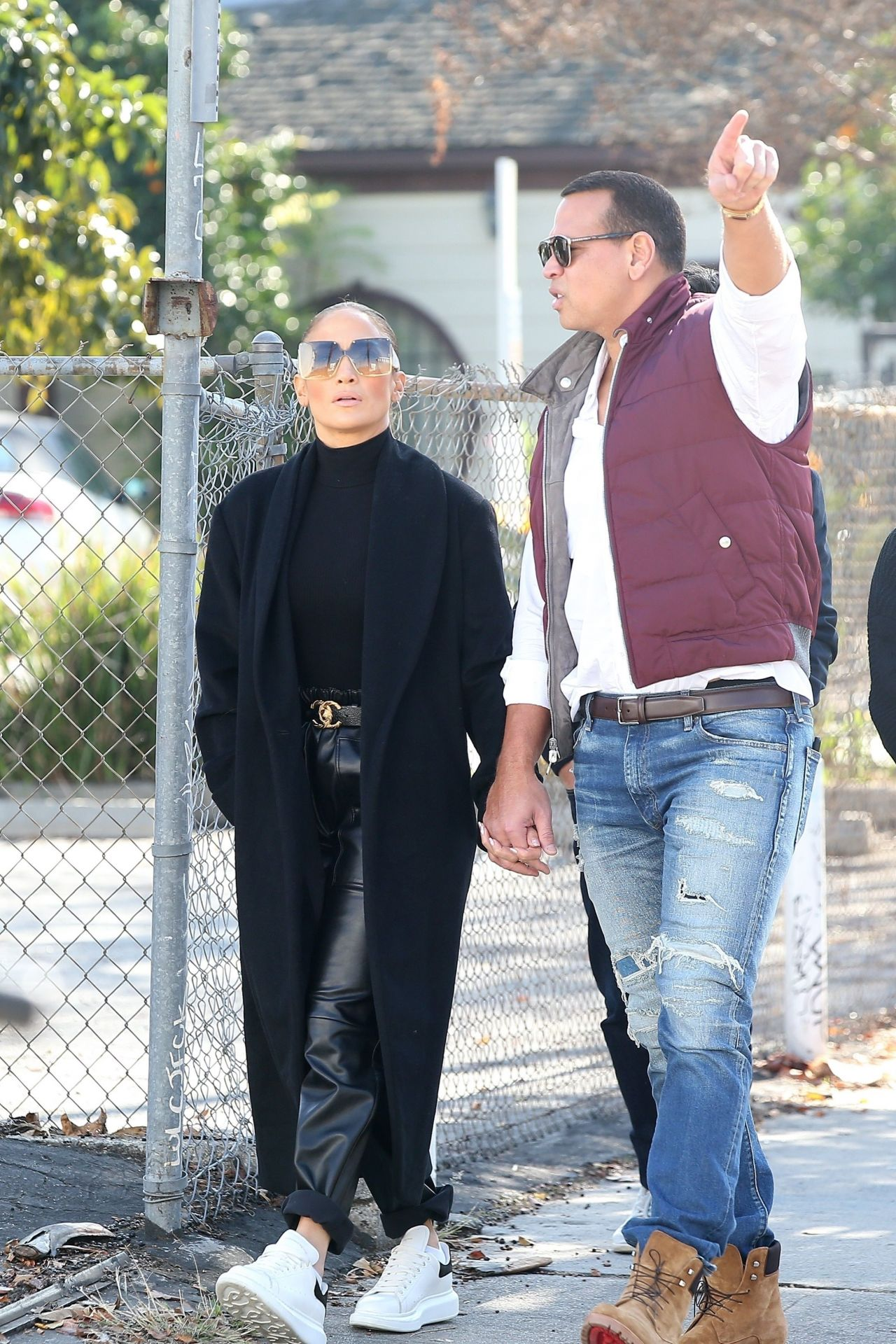 jennifer-lopez-and-alex-rodriguez-real-estate-shopping-in-hollywood-12-29-2019-5