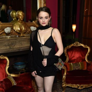 joey-king-in-ann-demeulemeester-christian-louboutin-laura-brown-celebrate-the-debut-of-the-elisa