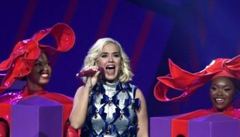 katy-perry-in-zaldy-101-3-kdwbs-jingle-ball-2019-in-st-paul