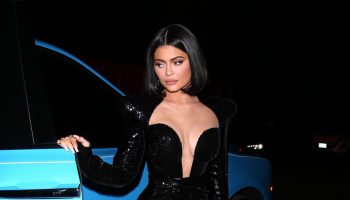 kylie-jenner-in-black-sequin-gown-sean-combs-50th-birthday-bash
