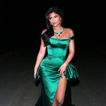 kylie-jenner-in-ralph-russo-gown-christmas-2019