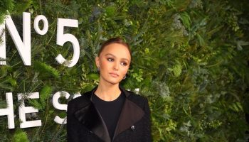 lily-rose-depp-in-chanel-chanel-no-5-in-the-snow-event-in-new-york
