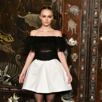 lily-rose-depp-in-chanel-chanel-metiers-dart-2019-2020-show-in-paris
