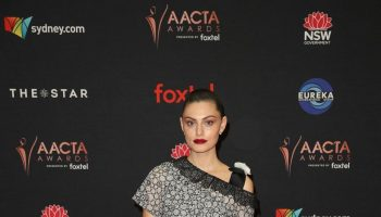phoebe-tonkin-in-chanel-2019-aacta-awards-in-sydney