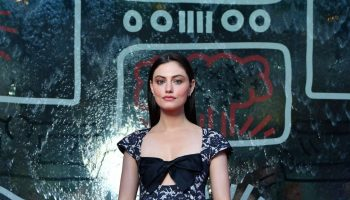 phoebe-tonkin-in-chanel-2019-ngv-gala-in-melbourne