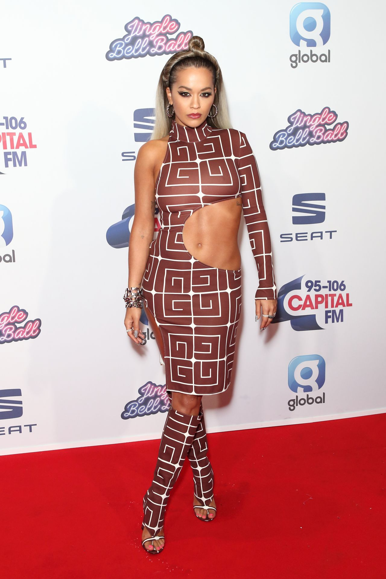 rita-ora-in-guy-laroche-2019-capitals-jingle-bell-ball-in-london
