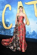 "Taylor Swift In Oscar De La Renta @   ""Cats""  New York Premiere"