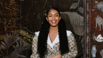 yara-shahidi-front-row-chanel-metiers-dart-2019-2020-show-in-paris