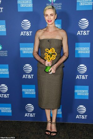 charlize-theron-in-christian-dior-2020-palm-springs-international-film-festival-film-awards-gala-2