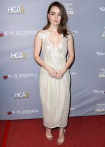 Kaitlyn Dever In  Philosophy Di Lorenzo Serafini  @ @ Hollywood Critics Awards 2020