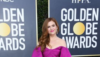 isla-fisher-in-monique-lhuillier-2020-golden-globe-awards