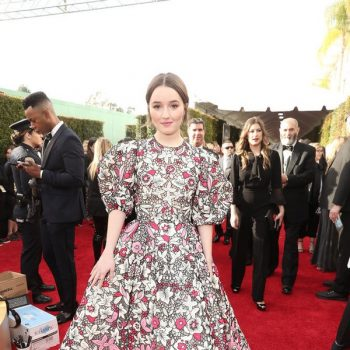 kaitlyn-dever-in-valentino-2020-golden-globe-awards