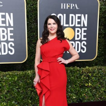 lauren-graham-in-azzi-osta-2020-golden-globe-awards