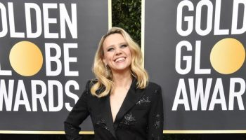 kate-mckinnon-in-prabal-gurung-2020-golden-globe-awards