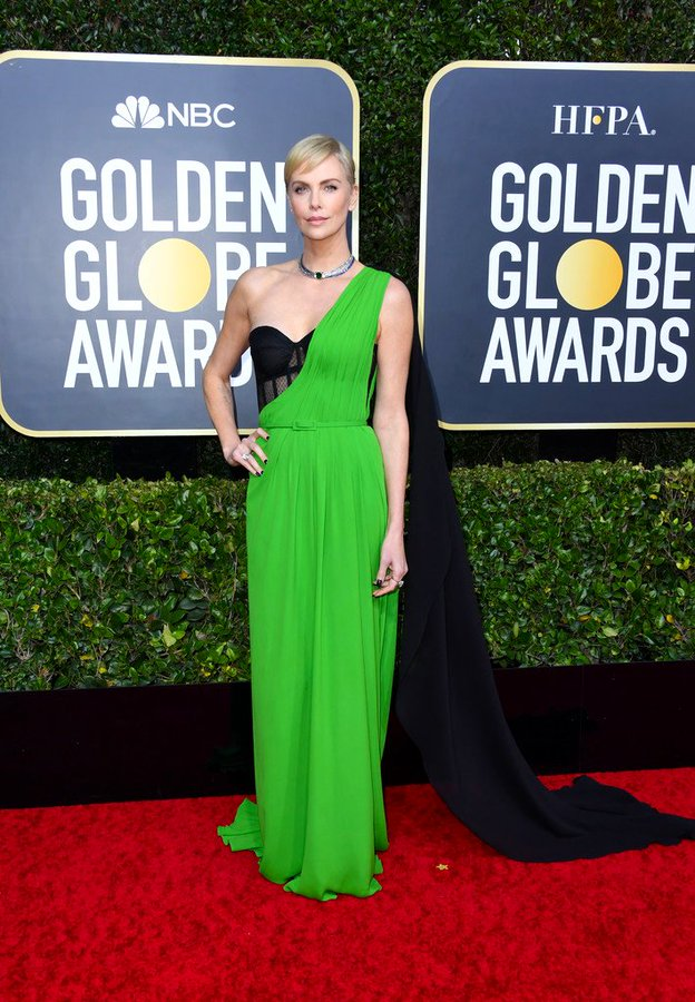 charlize-theron-in-christian-dior-couture-2020-golden-globe-awards