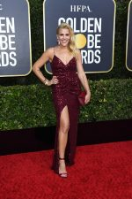 Busy Philipps  In Monique Lhuillier  @  2020 Golden Globe Awards