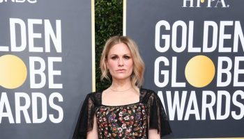 anna-paquin-in-christian-dior-2020-golden-globe-awards