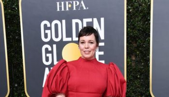 olivia-colman-in-emilia-wickstead-2020-golden-globe-awards