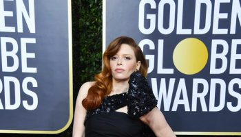 natasha-lyonne-in-moschino-2020-golden-globe-awards