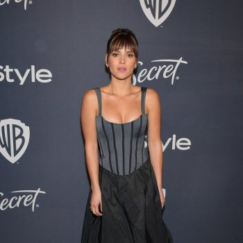 adria-arjona-in-brock-collection-2020-warner-bros-instyle-golden-globe-awards-after-party