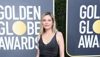 michelle-pfeiffer-in-brunello-cucinelli-2020-golden-globe-awards