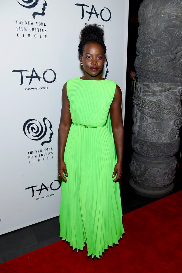 lupita-nyongo-in-valentino-2019-new-york-film-critics-circle-awards