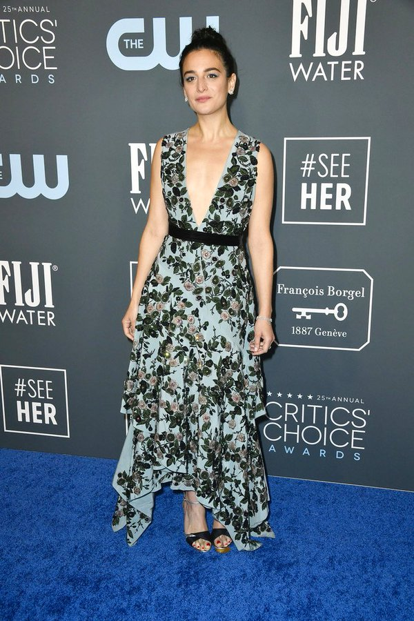 jenny-slate-in-mulberry-2020-critics-choice-awards