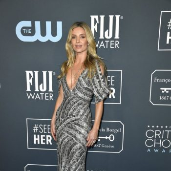 annabelle-wallis-in-moschino-by-jeremy-scott-2020-critics-choice-awards