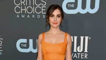 alison-brie-in-brandon-maxwell-2020-critics-choice-awards