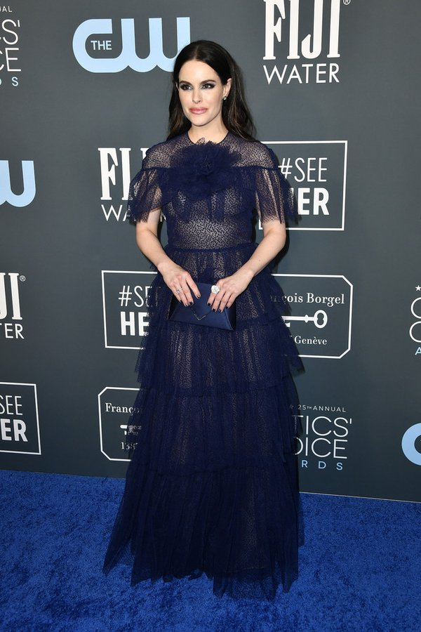 emily-hampshire-in-j-mendel-resort-2020-critics-choice-awards