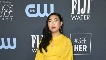 awkwafina-in-elie-saab-2020-critics-choice-awards