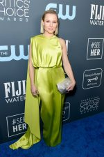 Kristen Bell In  Cong Tri @ 2020 Critics' Choice Awards